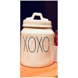 Rae Dunn xoxo canister
